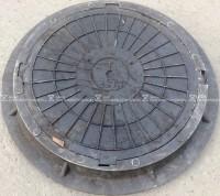 """Люк полимерпесчанный 4 ушковый ПП класс """"Т"""" 25 т. Черный (d800мм*h80мм)h=крышки 65 мм, вес 55 кг."""